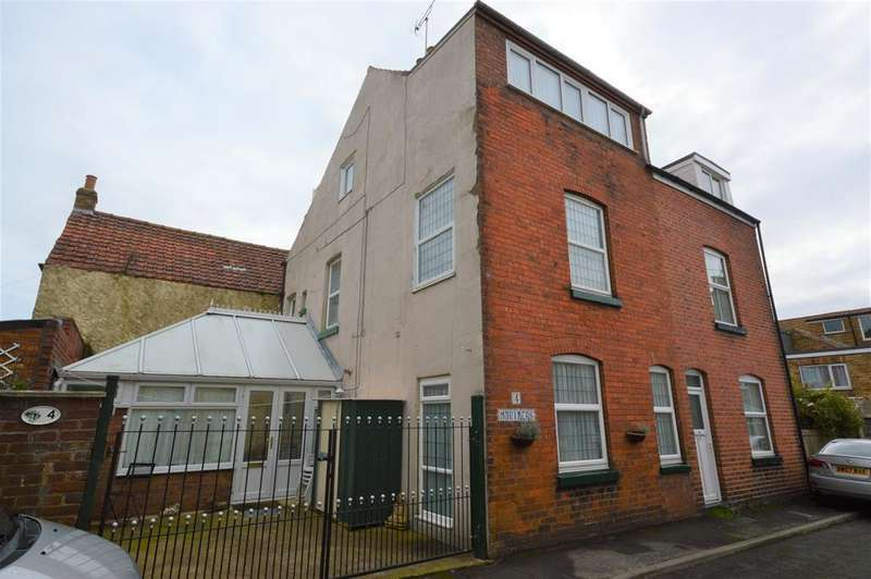 5 Bedrooms Semi Detached House for sale in Mariners Terrace, Filey, YO14 9DP