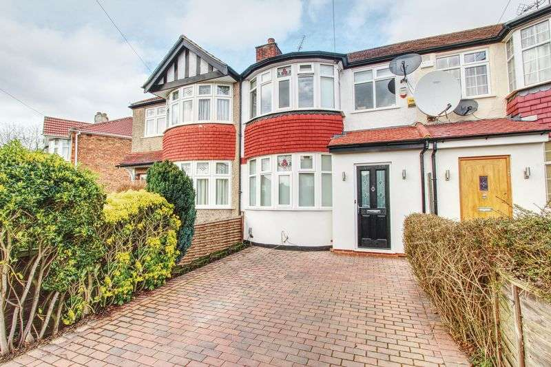 3 Bedrooms Property for sale in Woodhouse Avenue, Medway Estate