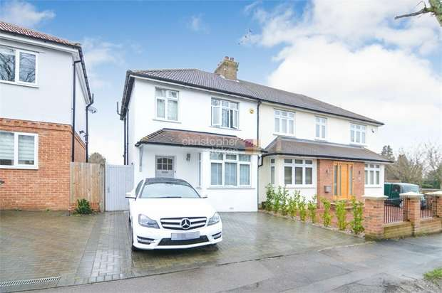 3 Bedrooms Semi Detached House for sale in Barrow Lane, Cheshunt, WALTHAM CROSS, Hertfordshire