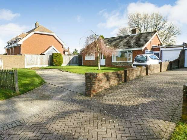 3 Bedrooms Detached Bungalow for sale in The Street, Bossingham, Canterbury, Kent
