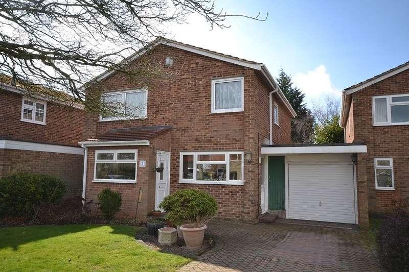 4 Bedrooms Detached House for sale in Caversham Park