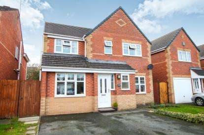 4 Bedrooms Detached House for sale in Masefield Way, Sandbach, Cheshire