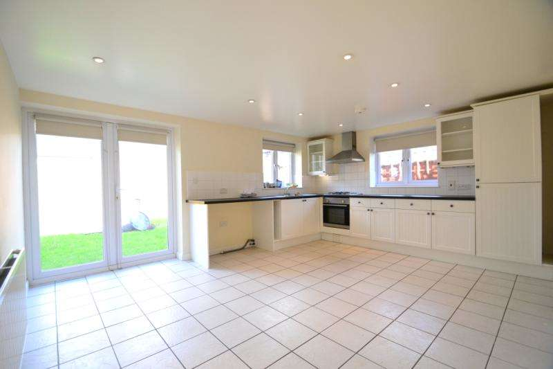 2 Bedrooms House for rent in Avenue Villas, Albury Road, Merstham, RH1 3LS