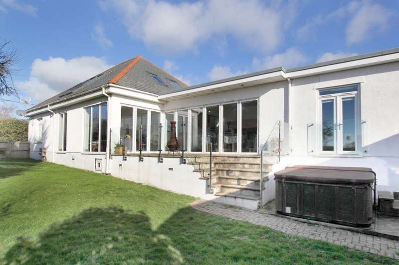 5 Bedrooms Detached House for sale in Wembury, Plymouth