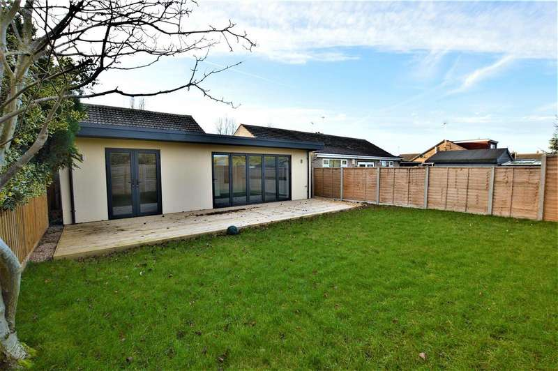 3 Bedrooms Property for sale in Peterhouse Close, Stamford