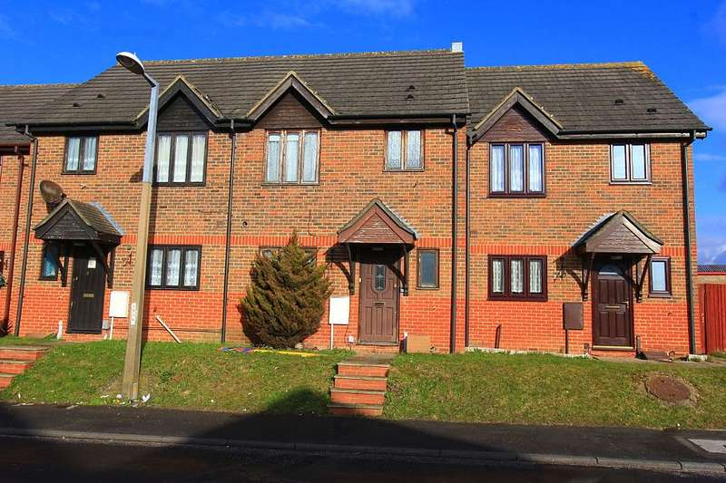 3 Bedrooms Terraced House for sale in Pegrams Court, Pegrams Road, Harlow, Essex, CM18 7PT
