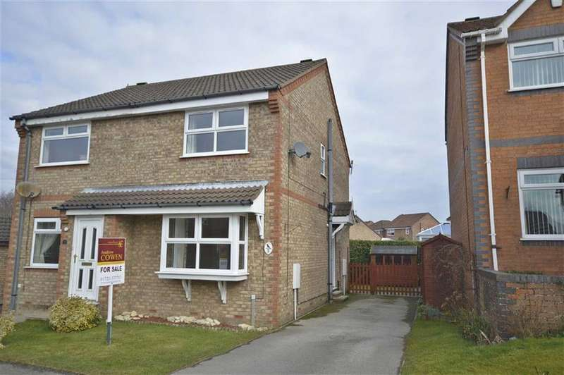 2 Bedrooms Semi Detached House for sale in Blackbird Way, Scarborough