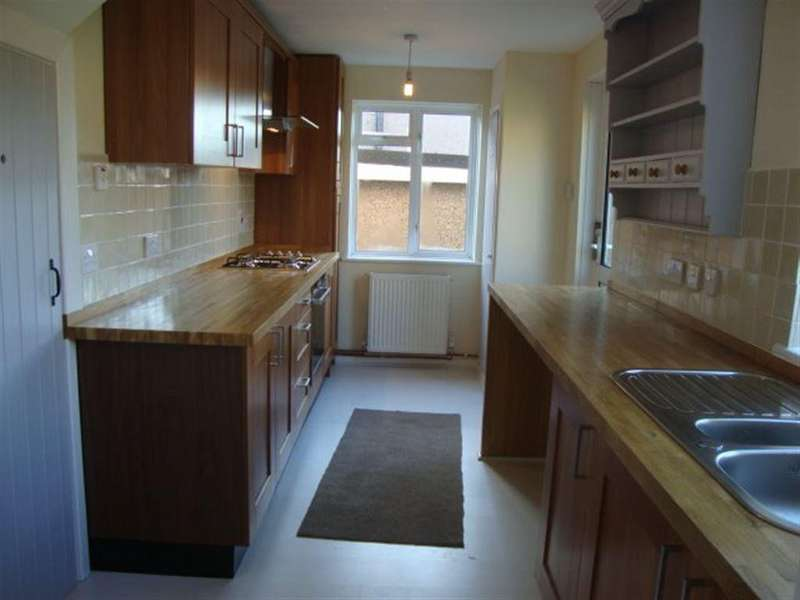 3 Bedrooms Semi Detached House for rent in THORNWELL ROAD, BULWARK, NP16 5AA