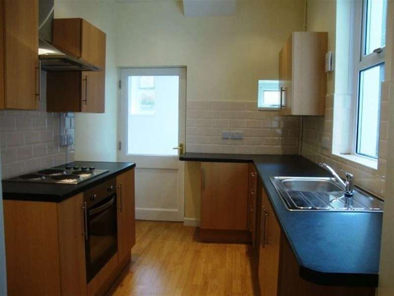 2 Bedrooms Terraced House for rent in AMBERLEY PLACE, PONTYPOOL, NP4 6DB