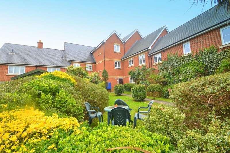 2 Bedrooms Apartment Flat for sale in Harberd Tye, Chelmsford, CM2 9GJ