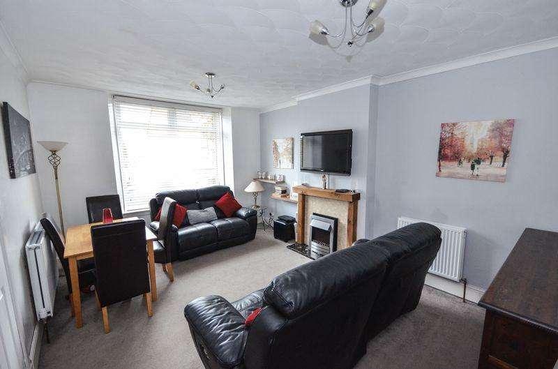 3 Bedrooms Semi Detached House for sale in Barlandfauld Street, Kilsyth