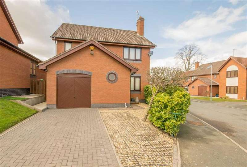 4 Bedrooms Detached House for sale in Ffordd Trem Y Foel, Mold