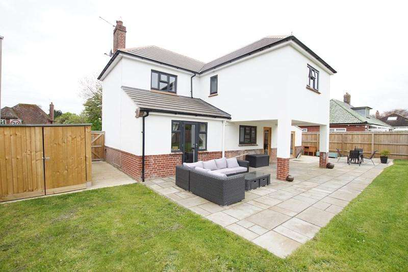 4 Bedrooms Detached House for sale in Milldown Road, Blandford Forum