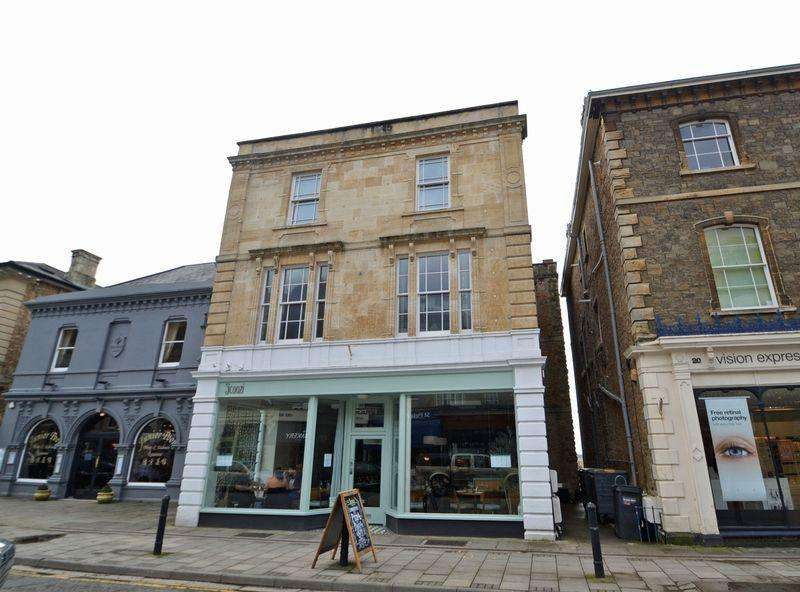 2 Bedrooms Apartment Flat for rent in Situated in the chic 'cafe' style surroundings of Hill Road in Clevedon