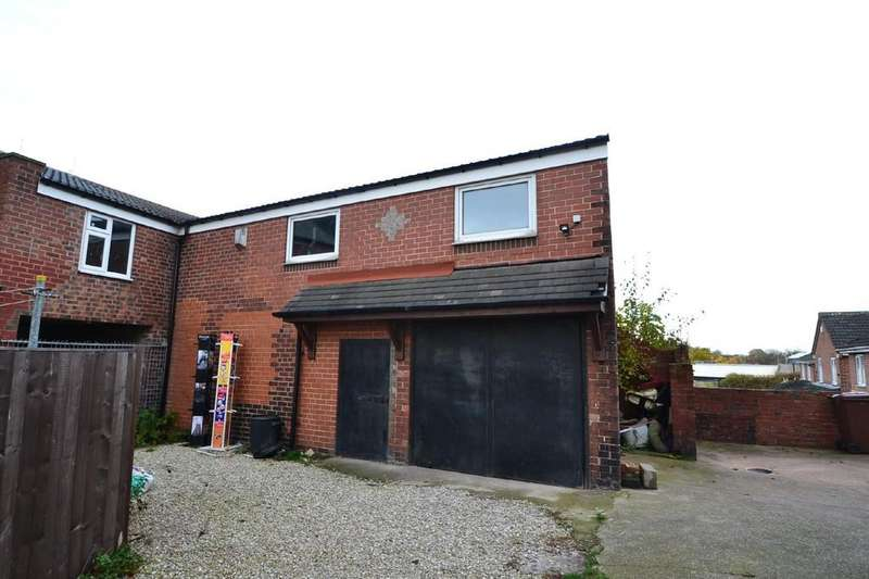 Garages Garage / Parking for rent in Liley Terrace, South Kirkby, Pontefract