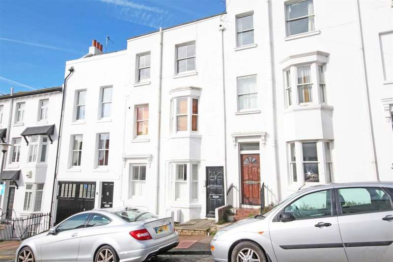 2 Bedrooms Ground Flat for sale in Clifton Place, Brighton