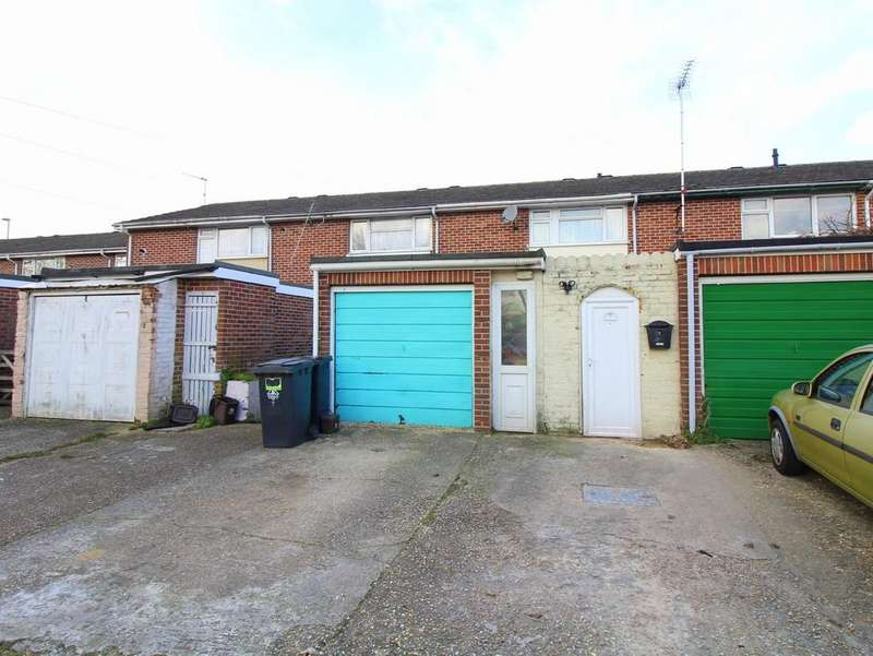 3 Bedrooms Terraced House for sale in Upton Court, Upton