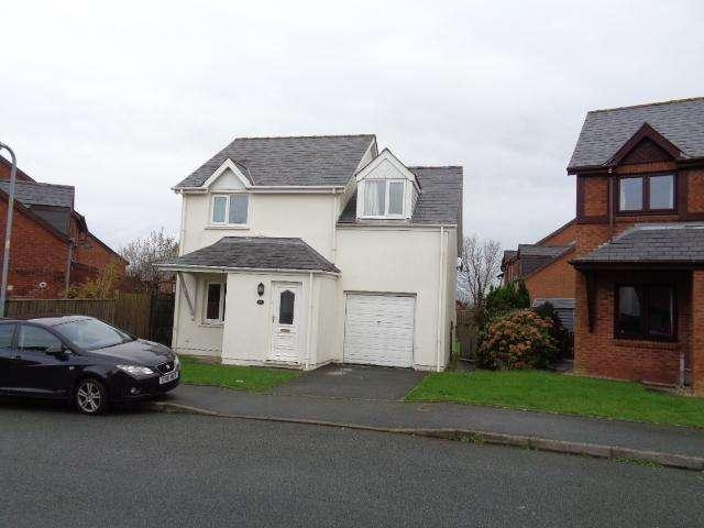 3 Bedrooms Detached House for rent in 87 Tudor Gardens, Haverfordwest. SA61 1LQ
