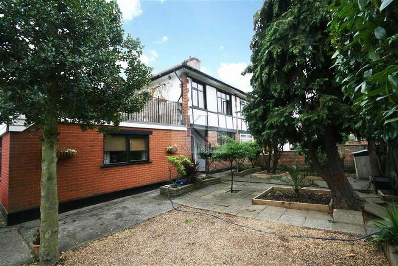 3 Bedrooms Semi Detached House for sale in Blindmans Lane, Cheshunt