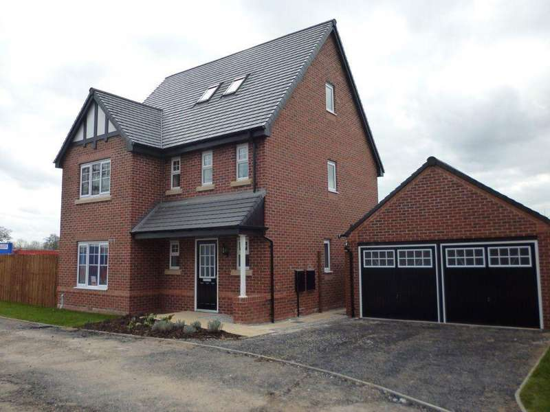 4 Bedrooms Detached House for rent in The Oaklands, Aston.