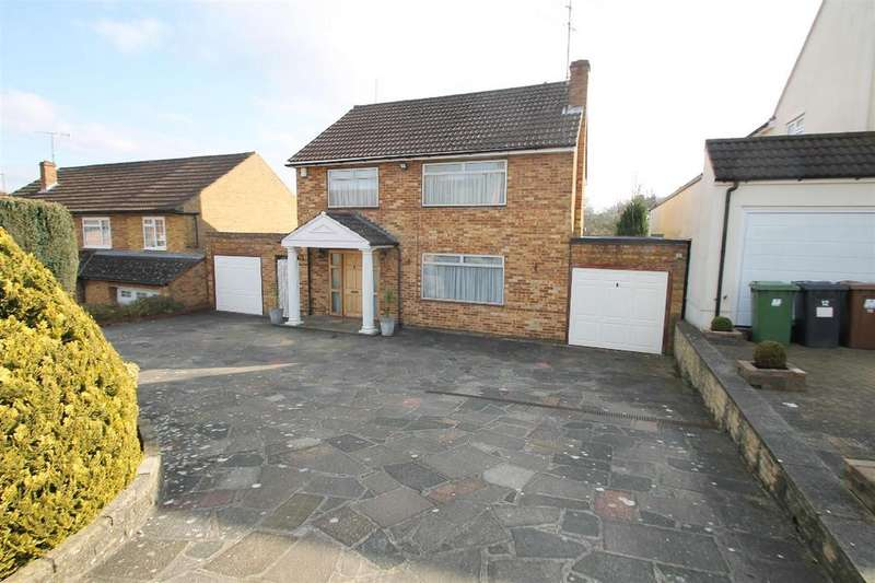 3 Bedrooms Detached House for sale in Woodfield Rise, Bushey