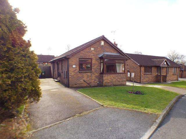 2 Bedrooms Detached Bungalow for rent in Melford Drive, Runcorn