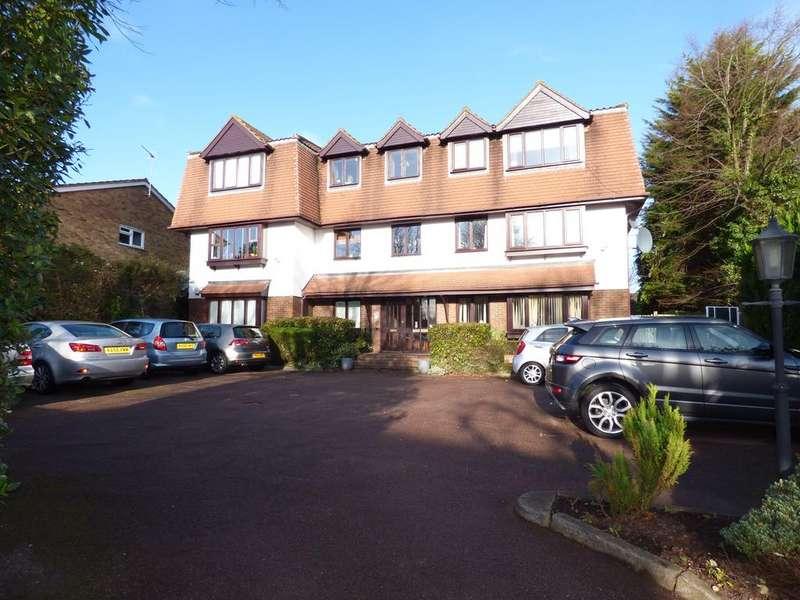 3 Bedrooms Flat for sale in Carlyle Lodge, 33 Richmond Road, Barnet EN5