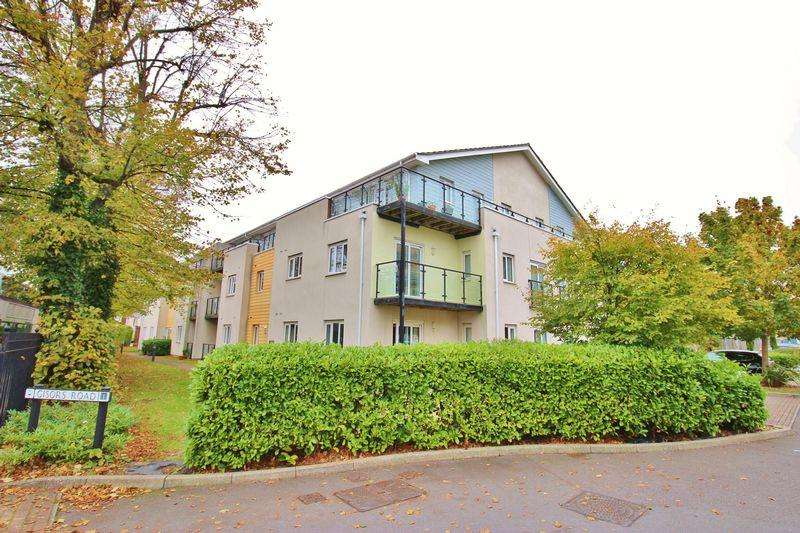 2 Bedrooms Apartment Flat for sale in Gisors Road, Milton