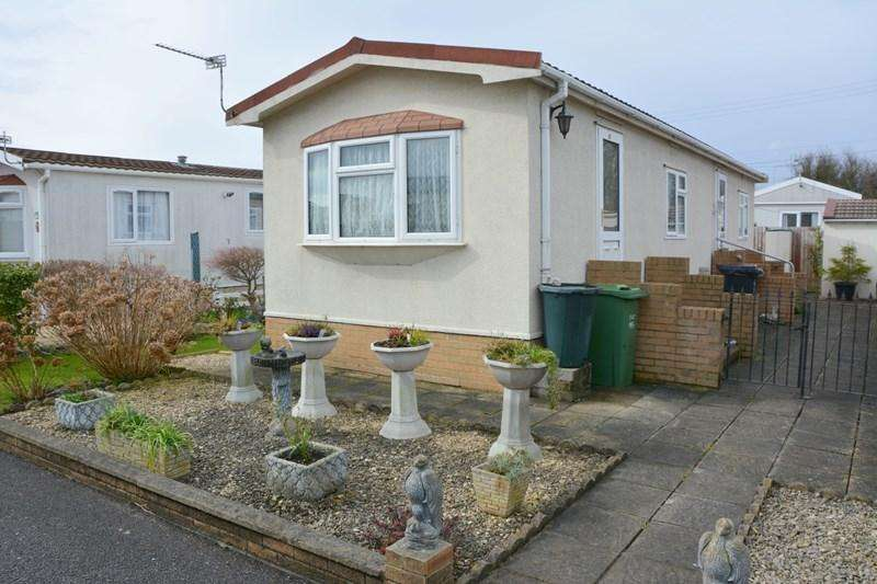 2 Bedrooms Park Home Mobile Home for sale in Windmill Close, Edithmead