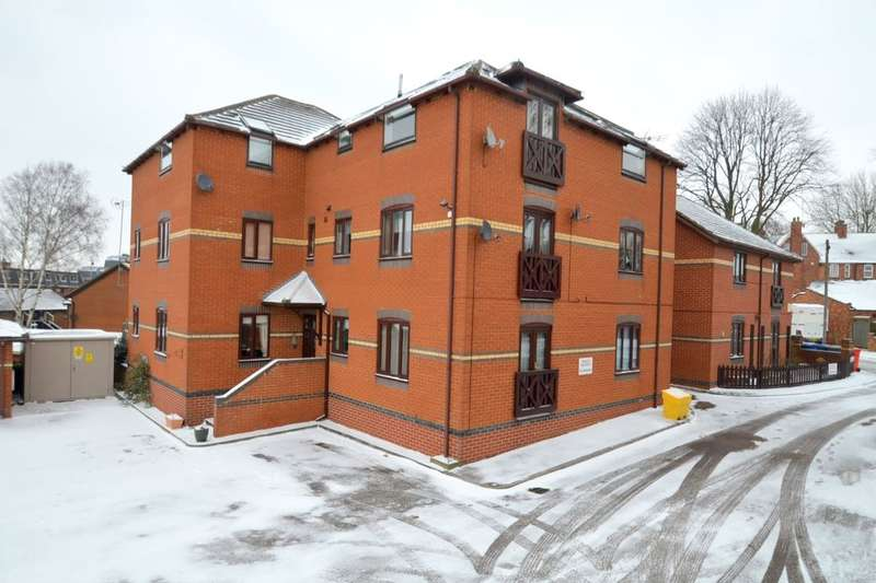 2 Bedrooms Flat for rent in Foxton Court The Crescent, Kettering, NN15