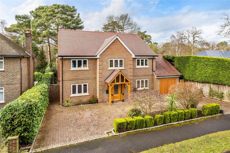 5 Bedrooms Detached House for sale in Pine Tree Hill, Pyrford, Surrey, GU22