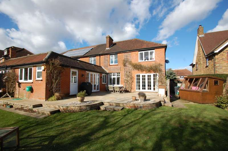 5 Bedrooms Semi Detached House for sale in Bottrells Lane, Chalfont St Giles, HP8