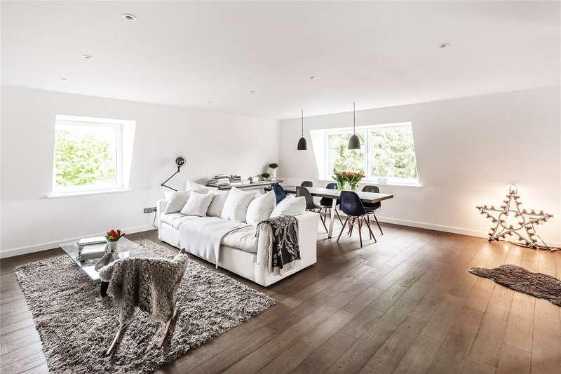 2 Bedrooms Flat for sale in St. Georges Road, Weybridge, Surrey, KT13