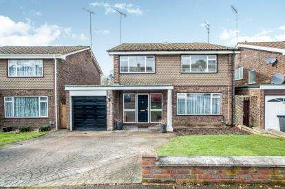 4 Bedrooms Detached House for sale in Wootton Drive, Hemel Hempstead, Hertfordshire, .