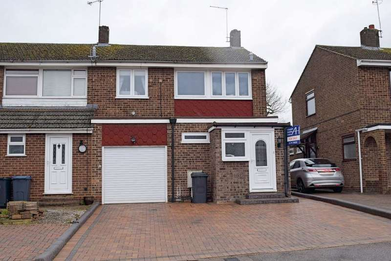 3 Bedrooms Semi Detached House for sale in Snells Mead, Buntingford, SG9 9JG