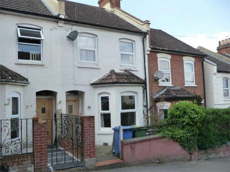 3 Bedrooms Terraced House for rent in Perowne Street, Aldershot, Hampshire