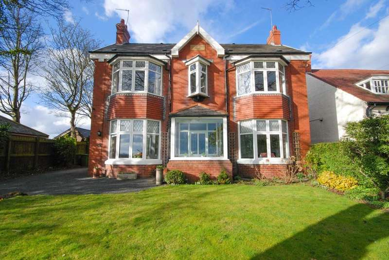 4 Bedrooms Detached House for sale in Moor Lane, Whitburn