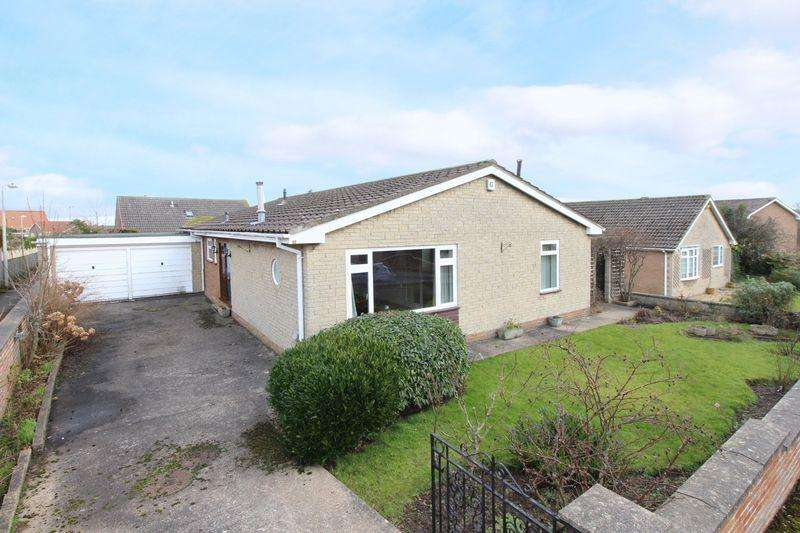 4 Bedrooms Detached Bungalow for sale in Field Close Road, Scarborough
