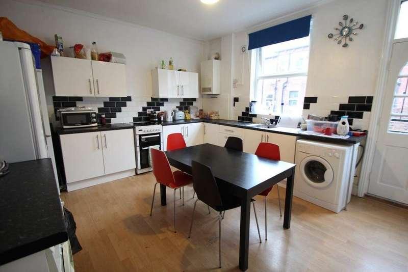 5 Bedrooms Terraced House for rent in Ash Road, Headingley, Leeds, LS6 3HD