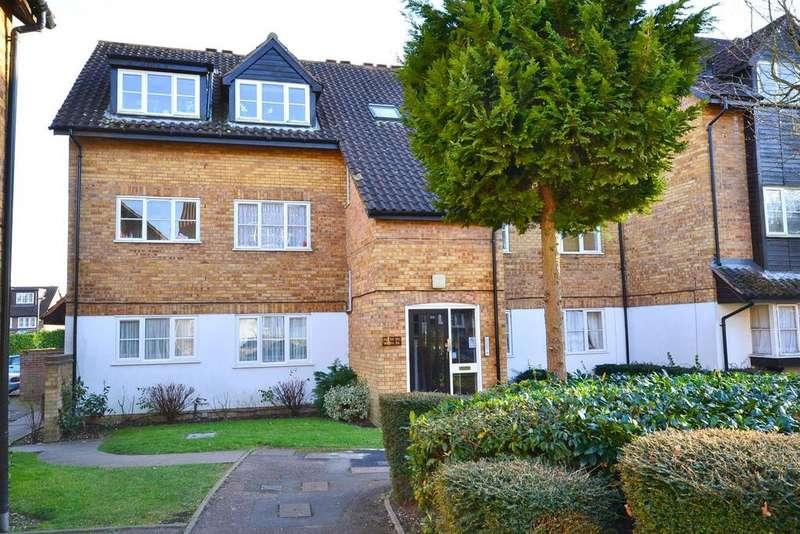 Studio Flat for sale in Boleyn Way, New Barnet