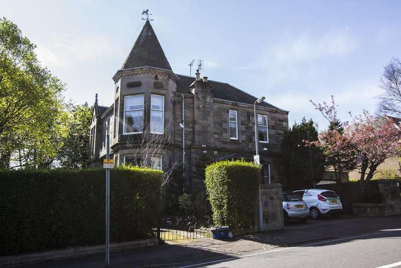2 Bedrooms Flat for rent in 60a Craigmillar Park, Edinburgh,
