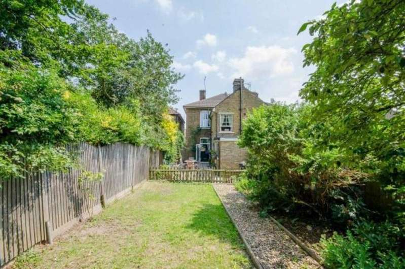3 Bedrooms Semi Detached House for sale in Milton Street, Maidstone
