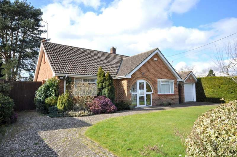 3 Bedrooms Detached Bungalow for sale in Ringwood, BH24 1SG