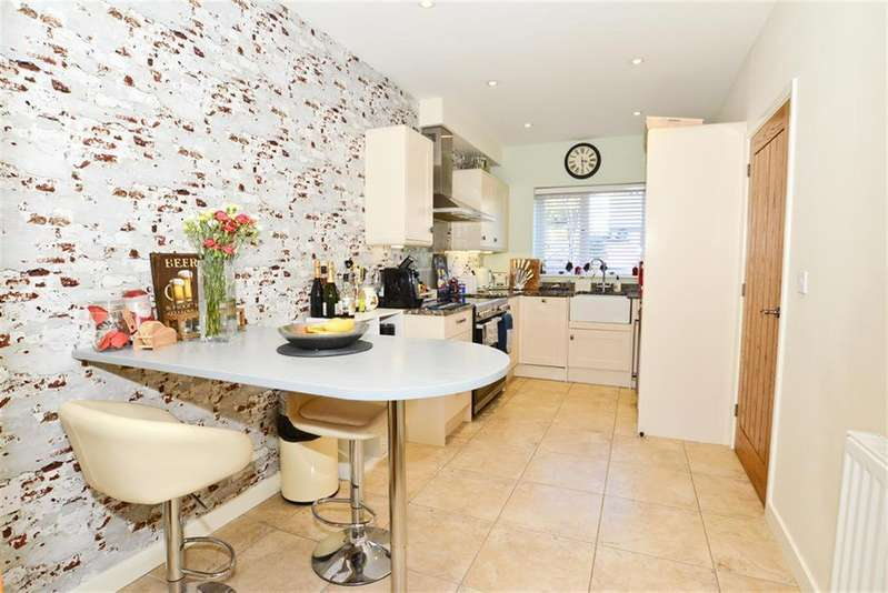 3 Bedrooms Semi Detached House for sale in Barrington Close, Bristol, BS15 4QD
