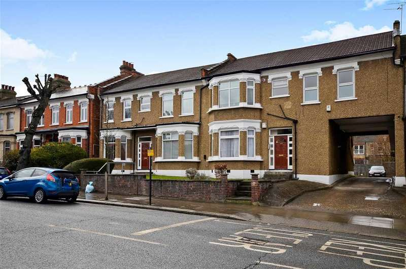 2 Bedrooms Flat for sale in Brownlow Road, London