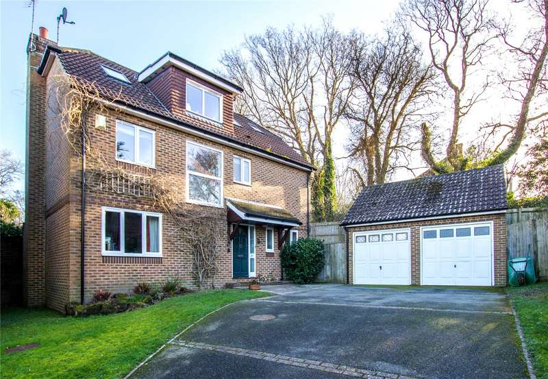 5 Bedrooms Detached House for sale in Bowmans Drive, Battle