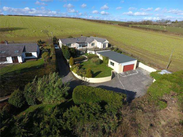 4 Bedrooms Detached Bungalow for sale in Morval, Looe, Cornwall