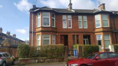 3 Bedrooms Flat for sale in Circus Place, Dennistoun