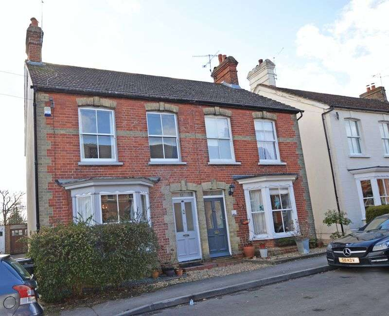 3 Bedrooms Property for sale in Park Close Road, Alton