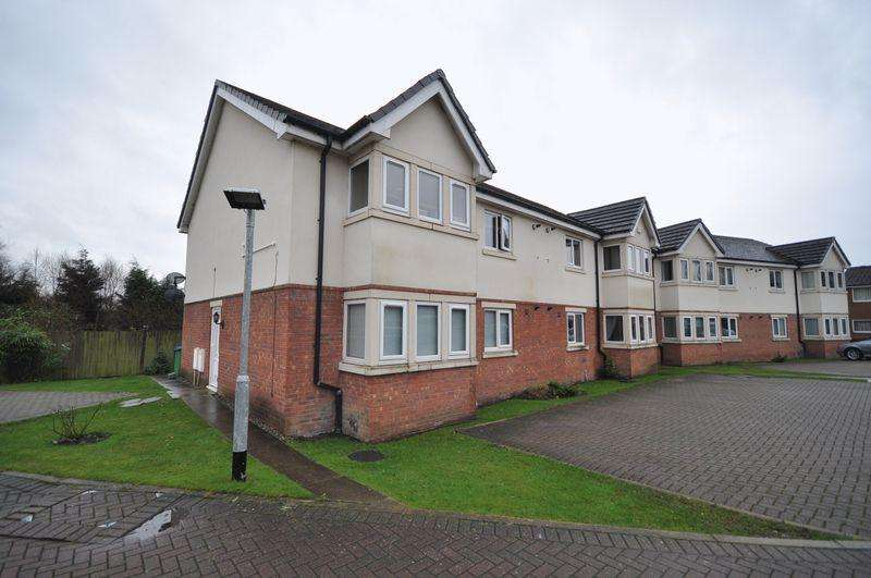 2 Bedrooms Apartment Flat for rent in The Oaklands, Castleton, Rochdale